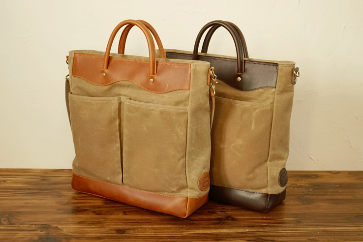 220 왁스캔버스 와이드 토트백Waxed Canvas Wide Tote Bag - Sand Deep BrownWaxed Canvas,Genuine Leather